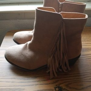 Fringed ankle boots size 9W